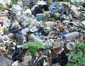 """10 năm """"gồng mình"""" sống chung với bãi rác khổng lồ"""