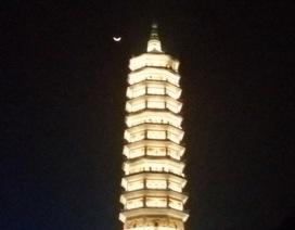 Lung linh ánh đèn hoa đăng tại ngôi chùa lớn nhất Việt Nam