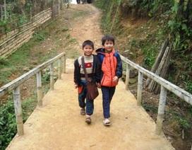Cây cầu khuyến học, thoát nghèo của bản Khuông