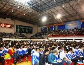 Hàng nghìn học sinh được tư vấn tuyển sinh, hướng nghiệp
