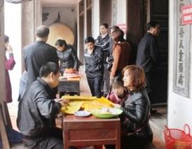 Lễ hội Đền Trần: Vẫn ra sức đóng ấn, thu tiền