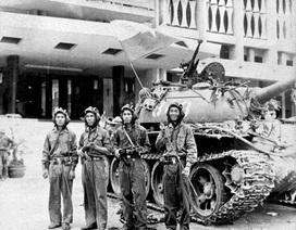 Ký ức người lính lái chiếc xe tăng đưa người cắm cờ vào Dinh độc lập