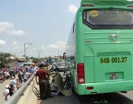Xe khách gây tai nạn kinh hoàng khiến 4 người chết