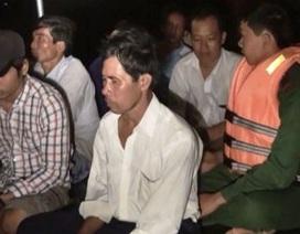 Sóng biển đánh chìm tàu, 13 người được cứu sống, 1 người mất tích