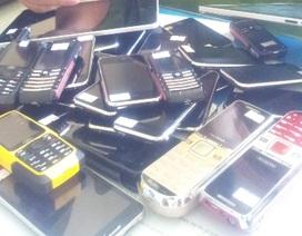 """Điện thoại, tablet """"lậu"""" lọt vào trung tâm thương mại?"""
