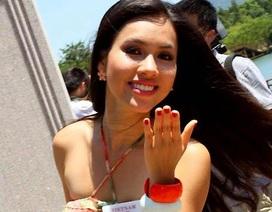 Hoàng My trong phần thi Hoa hậu Nhân ái