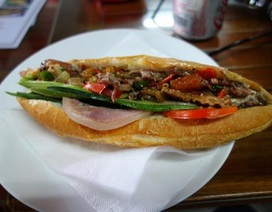 Bánh mỳ phố cổ Hội An khiến du khách nước ngoài nức lời khen ngợi