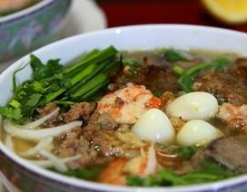 "Món ăn Việt khiến ""khách Tây"" suýt xoa"