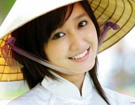 Nón bài thơ Huế là một trong những trang phục truyền thống đặc sắc thế giới