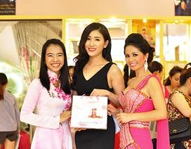 Các kiều nữ Việt rủ nhau đi làm đẹp