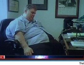 Sếp công đoàn mất chức vì lộ ảnh ngủ gật