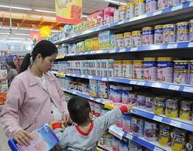 Sữa vẫn được bày bán cao hơn mức giá tối đa
