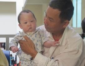 Bé Bảo Cung trải qua ca phẫu thuật đầu tiên để tìm lại nụ cười