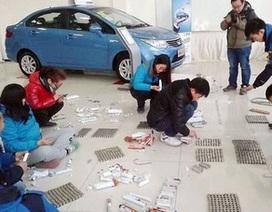 Mang hơn 150kg tiền xu đi mua xe ô tô