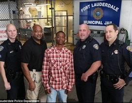 Phạm nhân trở thành anh hùng khi giúp cứu sống cảnh sát bị đau tim