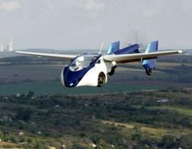 Ô tô bay bị rơi trong khi thử nghiệm