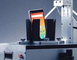 Xiaomi tung loạt clip khoe quá trình thử nghiệm độ bền smartphone Mi 4i