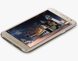 Smartphone đầu tiên hỗ trợ đèn flash camera trước của Samsung