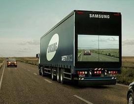 """Ý tưởng xe tải """"trong suốt"""" giúp giảm tai nạn khi vượt xe"""