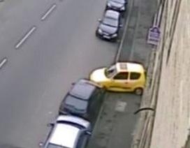 Màn đậu xe song song hết sức tồi tệ.