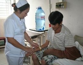 """Bác sĩ Việt sẽ """"tự tay"""" phẫu thuật cắt bỏ bướu sợi khổng lồ"""