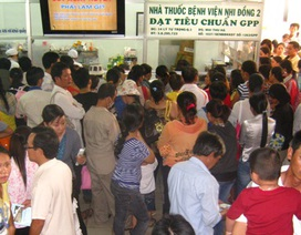 """Người dân Việt Nam đang """"còng lưng"""" gánh giá thuốc"""