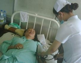 Nạn nhân vụ tạt axit kinh hoàng có nguy cơ bị mù