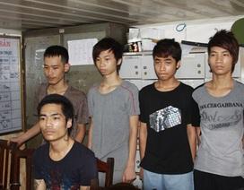 16 tuổi cầm đầu băng cướp taxi để lấy tiền đưa bố mẹ