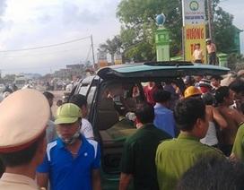 Mời khách đi taxi, một thanh niên bị đâm chết