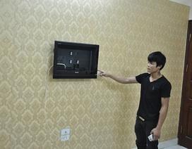 """Hà Nội: """"Độc chiêu"""" mang vali vào nhà nghỉ trộm tivi"""