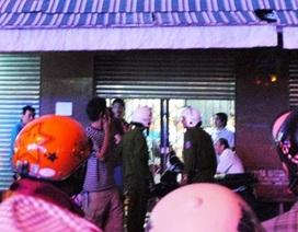 Đánh gục tên cướp xông vào tiệm vàng lớn nhất ở Cà Mau