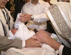 2 trẻ sơ sinh tử vong vì hủ tục cắt bao quy đầu