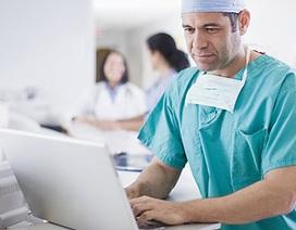 Các bác sĩ dành quá nhiều thời gian để xem máy tính?