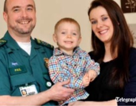Bé 2 tuổi biết gọi cấp cứu để cứu mẹ!