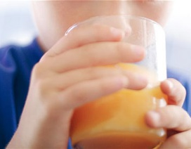Chỉ nên uống một cốc nước trái cây mỗi ngày