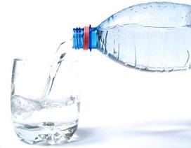 Uống nước giúp giảm đau lưng