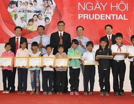 Đắk Lắk: Trao 20 suất học bổng đến HS dân tộc thiểu số hiếu học