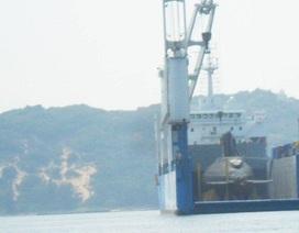 Hình ảnh tàu ngầm Kilo TP Hồ Chí Minh trên vịnh Cam Ranh