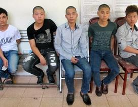 """Hà Nội: Dùng """"bom bẩn"""" khủng bố con nợ"""