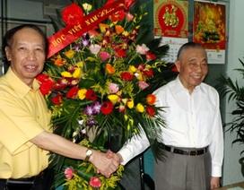 Chủ tịch Hội Khuyến học Nguyễn Mạnh Cầm chúc mừng báo Dân trí nhân Ngày báo chí