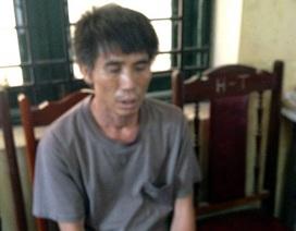 Gã đàn ông sát hại vợ rồi cố thủ trên nóc nhà