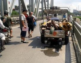 Hà Nội: Va vào xe ba gác, người phụ nữ ngã ra đường, tử vong