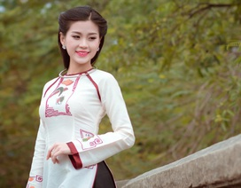 Diễm Trang dịu dàng trong tà áo dài họa tiết tranh Đông Hồ