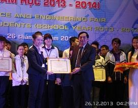 """Học sinh Hà Nội """"nghiên cứu"""" về bệnh vô cảm của giới trẻ"""