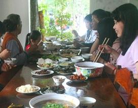 Tục ăn cơm chay ở chùa Huế trưa mùng 1 Tết lấy hên cả năm