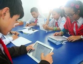 Trao tặng Thư viện điện tử thông minh đầu tiên tại Huế