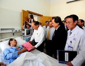 Phó thủ tướng thăm BV Trung ương Huế