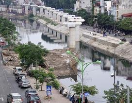 Đường sắt đô thị đang vượt sông Tô Lịch