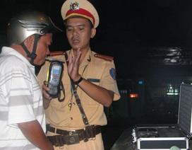 """Một đêm theo chân CSGT kiểm tra các tài xế """"ma men"""""""