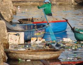 """Lý Sơn """"khốn đốn"""" vì thói quen xả rác ra biển"""